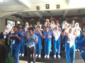 Pembekalan Etika Profesi Bagi Mahasiswa Baru STIKes Mitra Husada Medan T.A 2019/2020